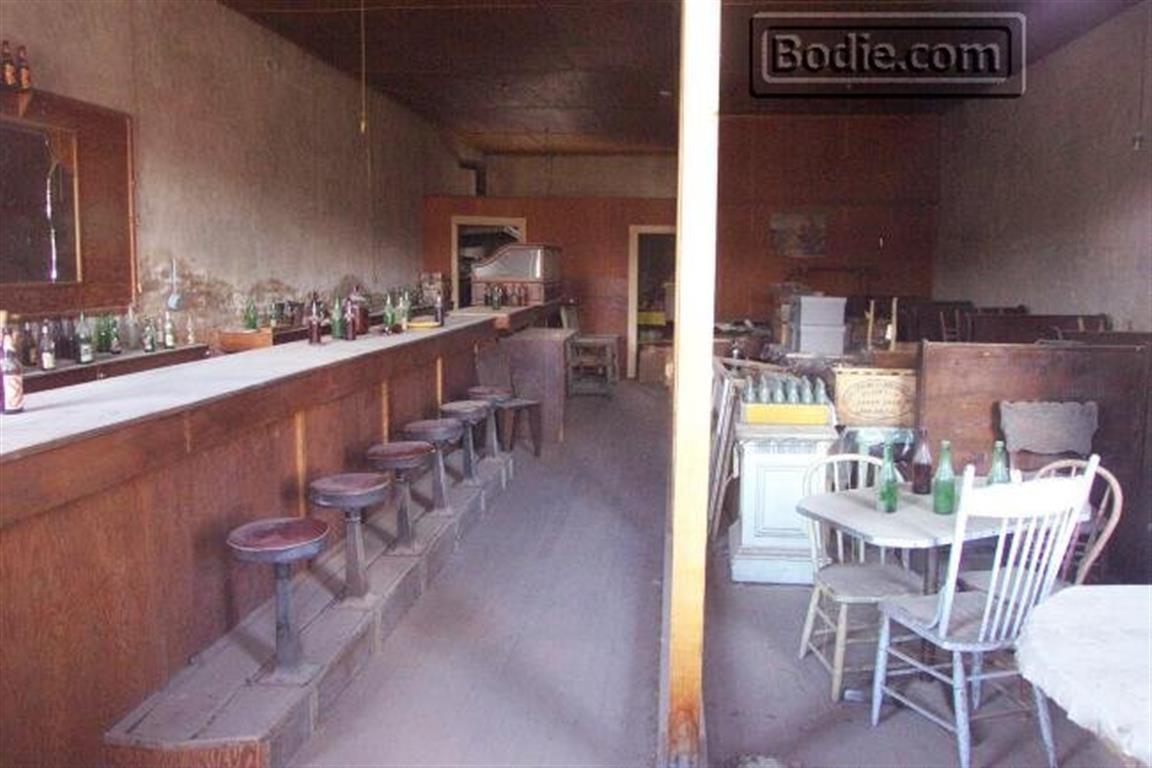 Dechambeau Hotel - Interior | Bodie.com